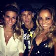 Neymar postou em seu Instagram uma foto entre as ginastas Jade Barbosa e Gabriela Soares, em Recife, em 15 de dezembro de 2012