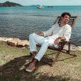 As fotos de Cauã Reymond foram feitas na praia da Armação, em Búzios
