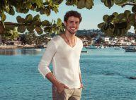 Cauã Reymond posa para campanha de moda verão em praia do RJ