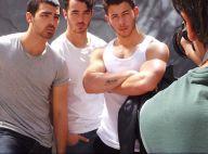 Jonas Brothers posam para revista gay dos Estados Unidos