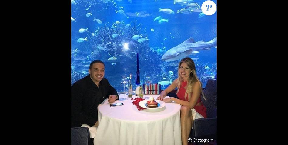 Wesley Safadão se hospedou com a esposa, Thyane, em hotel com diárias de R$ 6 mil em Dubai nesta quinta-feira, 18 de fevereiro de 2016