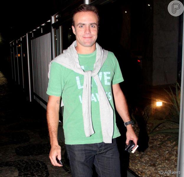 """Roger Flores está namorando uma jovem gaúcha que mora em Miami, noticiou o jornal """"O Dia"""" nesta quinta-feira, 19 de setembro de 2013"""