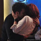 'Sangue Bom': Érico beija Cleo na frente de Verônica para provocá-la
