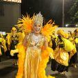 Totia ainda tem muita disposição e gosta de cutir o carnaval desfilando