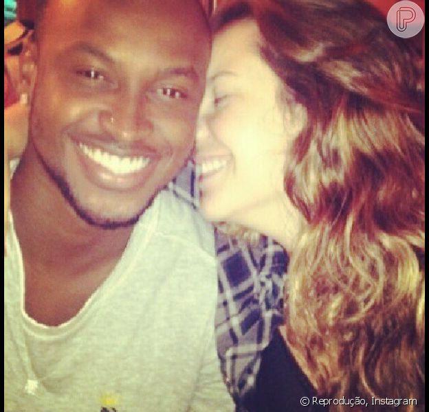 Thiaguinho vai passar o Réveillon ao lado da namorada, Fernanda Souza, em dezembro de 2012