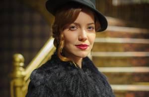 'Joia Rara': Silvia chega aos Himalaias e anuncia que está grávida de Franz