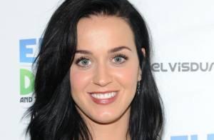 Katy Perry fala sobre showbiz: 'Está todo mundo tão nu'