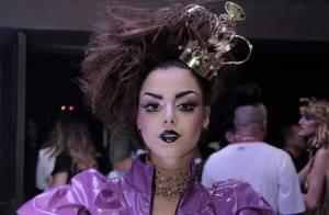092e59de6630c Giovanna Lancellotti curte fase solteira e prestigia festa a fantasia, em SP