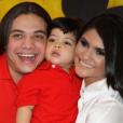 Wesley Safadão e a ex-mulher, Mileide Mihaile, com o filho, Yhudy, que está com 5 anos
