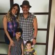 Wesley Safadão reuniu a família em festa junina na sua casa, dia 28 de junho de 2016. Na foto, o cantor aparece com a mulher, Thyane Dantas, a filha do casal, Ysis, de 1 ano, e Yhudy Lima, de 5, fruto do extinto relacionamento do cantor Mileide Mihaile