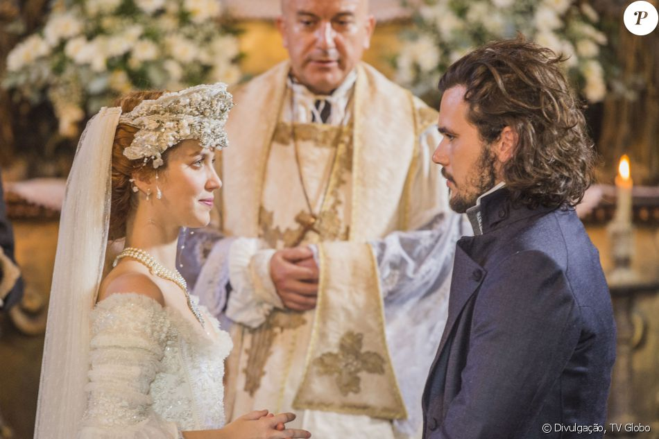 Branca (Nathalia Dill) e Xavier (Bruno Ferrari) vão se casar na novela 'Liberdade, Liberdade'. A sequência durou três dias para ser gravada e reuniu praticamente todo o elenco da trama das onze