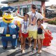 Rodrigo Faro viajou com a mulher e as três filhas do casal para Orlando, nos Estados Unidos