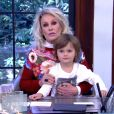 Ana Maria Braga pediu para o neto Bento, de 4 anos, fazer cara de sério quando citava a alta do feijão e do leite: 'Não está entendendo o que estou dizendo'