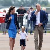 William e a mulher, Kate Middleton, levam príncipe George a show aéreo. Fotos!