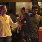 Luana Piovani e Pedro Scooby matam a saudade e jantam em restaurante do Rio