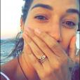 Gabriela Pugliesi mostra a aliança em foto no Snapchat