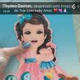 Thyane Dantas, mulher de Wesley Safadão mostra o convite de Ysis, que tem um desenho de Yhudy, irmão mais velho da menina