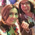 Fátima Bernardes faz selfie divertida durante a festa junina com a equipe do 'Encontro'