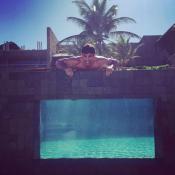 Cauã Reymond e namorada viajam para Alagoas: hotel tem diária de 4,7 mil. Fotos!