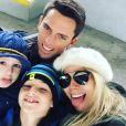 Danielle Winits estaria se reconciliando com Amaury Nunes pelos filhos, mas a atriz garante que continua solteira após separação, confirmada em maio deste ano