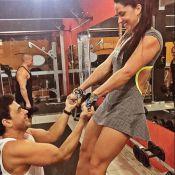 Zezé Di Camargo equilibra a namorada, Graciele Lacerda, na academia: 'Sorte'