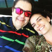 Faustão aparece abraçado à mulher, Luciana Cardoso, em viagem à Itália: 'Férias'