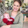 Thaís Pacholek é mãe de Luis Miguel, de 3 meses, filho do sertanejo Belutti