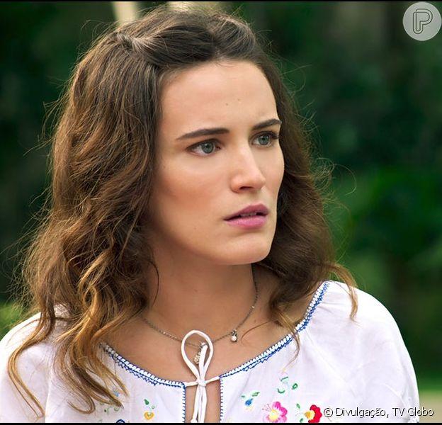 Maria (Bianca Bin) recebe uma visita de Eugênio (Hélio Ribeiro), pai de Leandro (Pedro Brandão), seu falecido namorado, e é surpreendida com um pedido de casamento, nos próximos capítulos da novela 'Êta Mundo Bom!', em julho de 2016