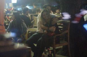 Tatá Werneck curte bar com Johnnas Oliva, ator da novela 'Haja Coração'. Fotos!