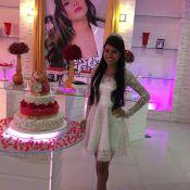 Ex-BBB Munik ganha nova festa de aniversário, vestido e coroa de fãs: 'Surpresa'