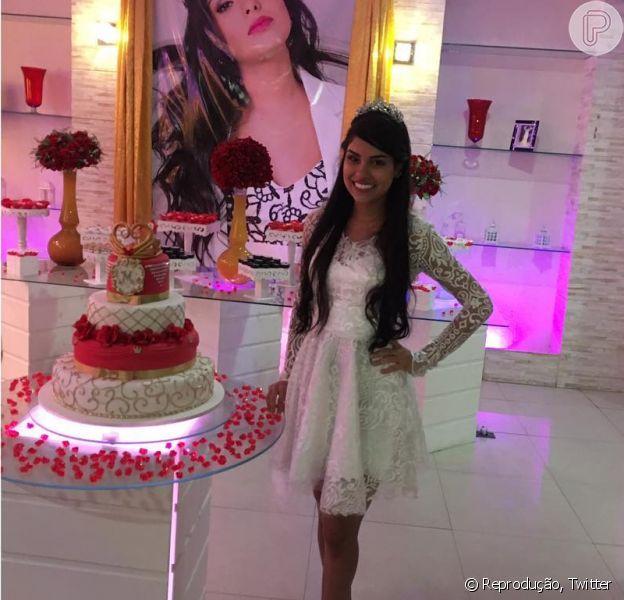 Munik ganhou uma festa de aniversário surpresa dos fãs no último domingo, dia 18 de julho de 2016