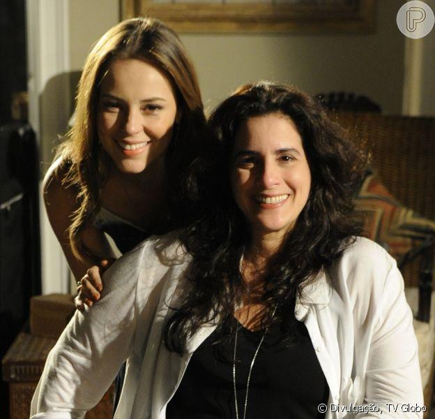 Mariah (Lúcia Veríssimo) procura Paloma (Paolla Oliveira) após descobrir que Aline (Vanessa Giácomo) a separou de Bruno (Malvino Salvador), em 'Amor à Vida', em novembro de 2013