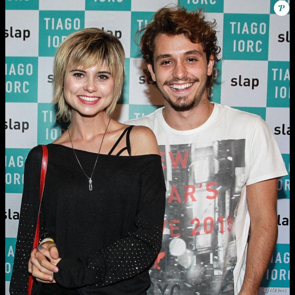 Julianne Trevisol termina namoro com ator Christian Monassa após um ano e dois meses de namoro