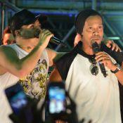 Ronaldinho Gaúcho joga dinheiro para cadeirante em show de Wesley Safadão