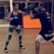 Bruna Marquezine mostra força durante treino de muay thai. Veja vídeos!
