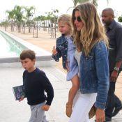 Gisele Bündchen leva os filhos, Benjamin e Vivian Lake, a museu no Rio. Fotos!