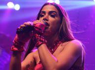 Anitta usa roupa de lutadora de boxe em show inspirado na Olimpíada do Rio