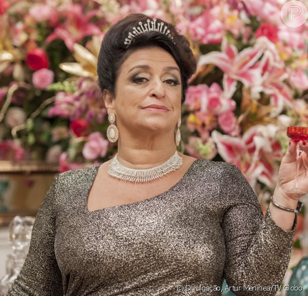 Grace Gianoukas, a Teodora, deve estrelar o spin-off da novela 'Haja Coração'