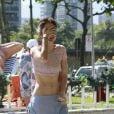 Maria Casadevall exibiu o corpo esbelto e magrinho na orla da praia da Barra da Tijuca, Zona Oeste do Rio de Janeiro, nesta quinta-feira, 21 de novembro de 2013