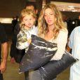 Após brilhar na abertura das Olimpíadas, Gisele Bündchen deixou o Rio de Janeiro com os filhos neste domingo, 7 de agosto de 2016