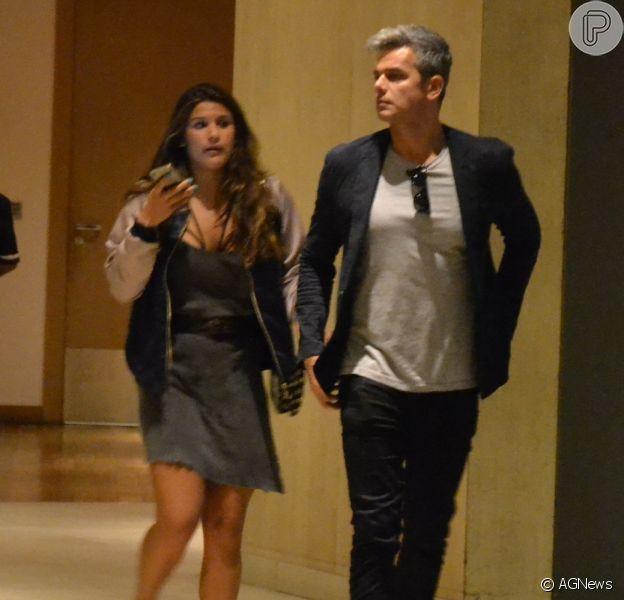 Otaviano Costa leva a enteada, Giulia Costa, ao cinema no Rio nesta segunda-feira, dia 08 de agosto de 2016