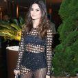 Thaila Ayala apostou em um modelito com transparências para o jantar organizado pela ONG Brazil