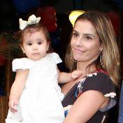 Deborah Secco educa a filha com igualdade: 'Não é diferente de nenhuma criança'