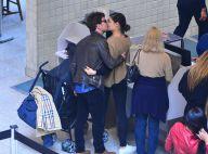 Sophie Charlotte beija o marido Daniel de Oliveira em aeroporto do Rio. Fotos!