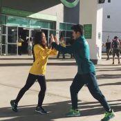 Ginastas Arthur Nory e Julie Kim dançam 'Everytime We Touch' na Olimpíada. Vídeo