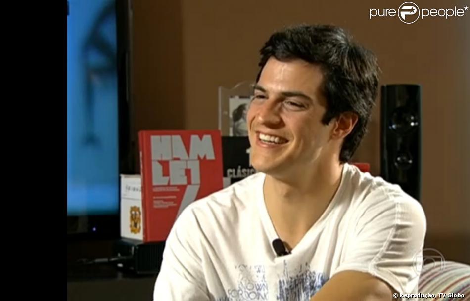 Mateus Solano foi entrevistado pelo 'Fantástico' no domingo, 24 de novembro de 2013. O ator contou que chorou ao ver a cena em que seu personagem, Félix, é desmascarado