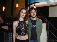 Chay Suede e Laura Neiva posam juntos em show após reatarem namoro. Fotos!