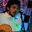Chay Suede se apresenta com a banda Aymoréco na Lapa, Rio de Janeiro, em 12 de agosto de 2016