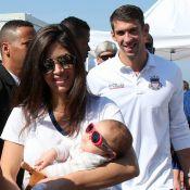 Michael Phelps grava programa de TV com mulher e filho, Boomer, no Rio. Fotos!