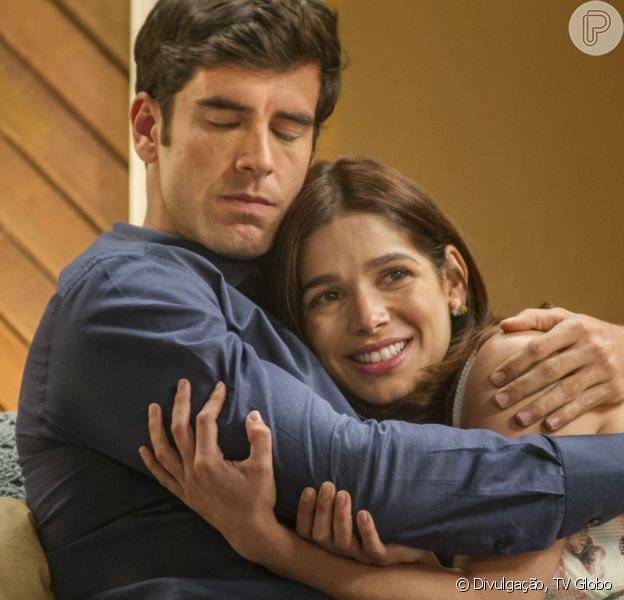 Na novela 'Haja Coração', Felipe (Marcos Pitombo) se declara para Shirlei (Sabrina Petraglia)